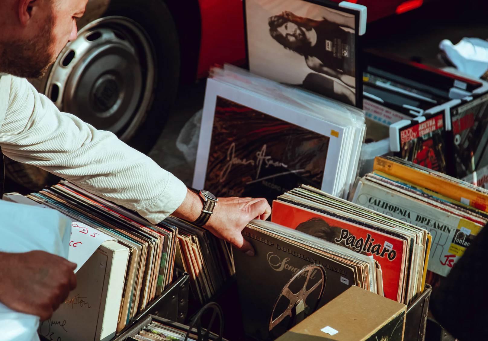 LP's te koop gevraagd